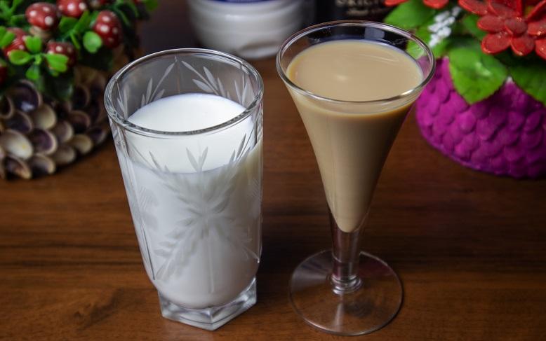 фото сливочного ликера с молоком