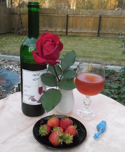 фото вина из клубники
