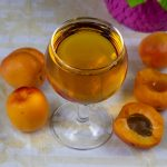 домашнее абрикосовое вино фото