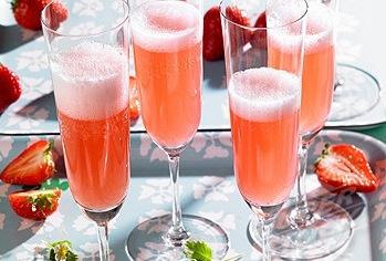 вкусный коктейль на основе шампанского