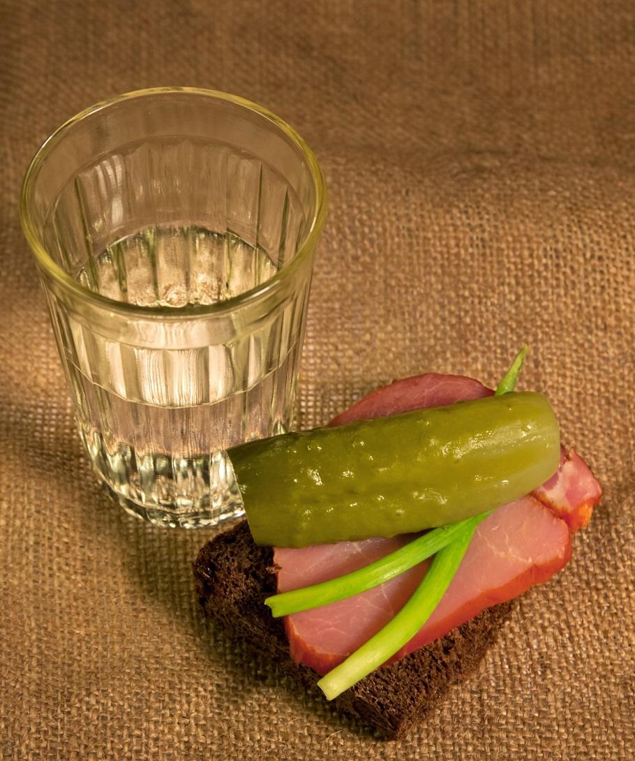 как правильно пить водку из стакана