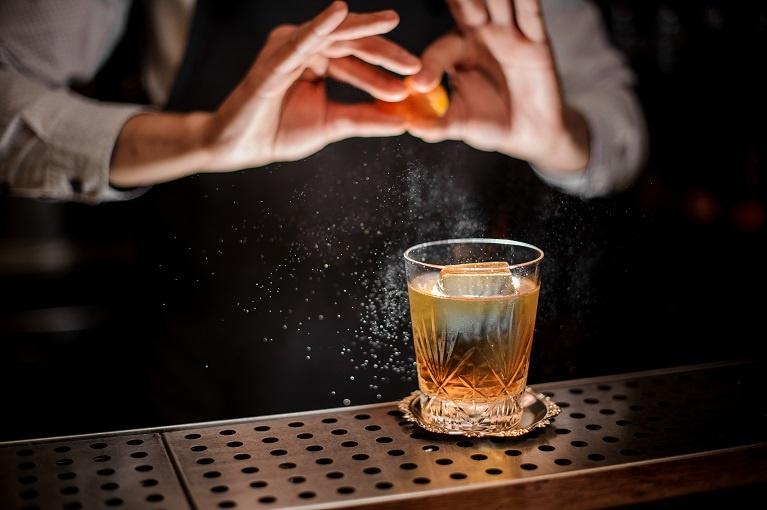 коктейль Кубахито: ром, кола, лимонный сок