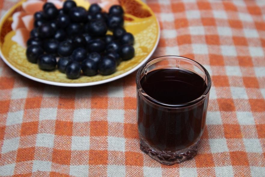 настойка водки на черной смородине фото