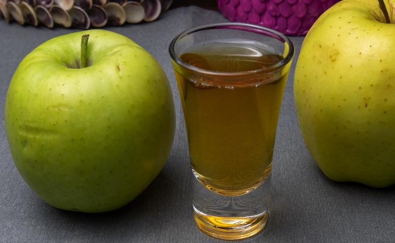 фото простой настойки из яблок