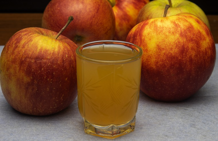 фото домашней наливки из яблок