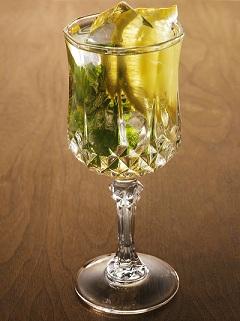 белое вино с тоником