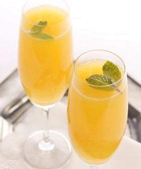 вино и апельсиновый сок