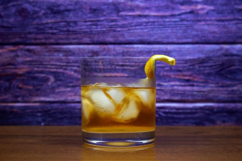 фото алкогольного коктейля Олд Фэшн