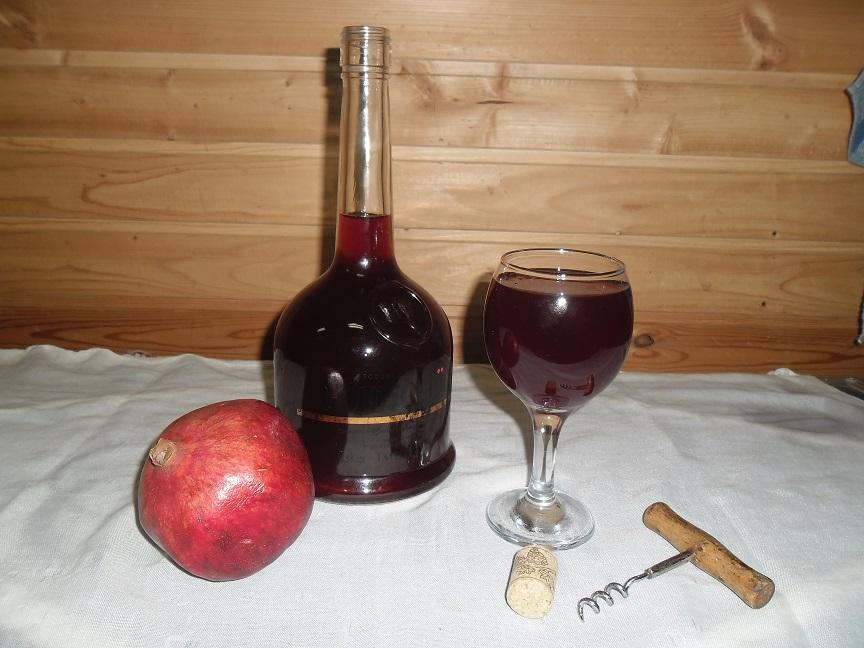 фото домашнего вина из граната
