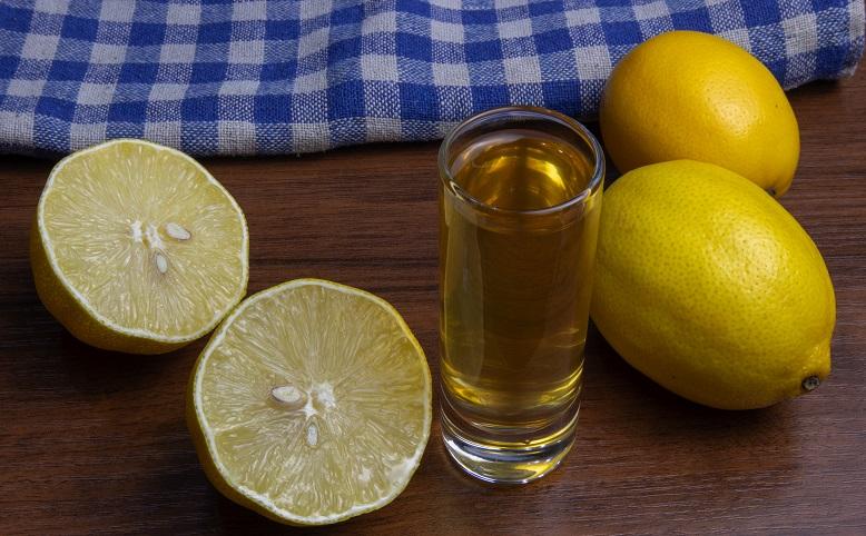 фото настойки из лимона на спирте