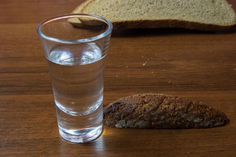фото домашнего хлебного вина