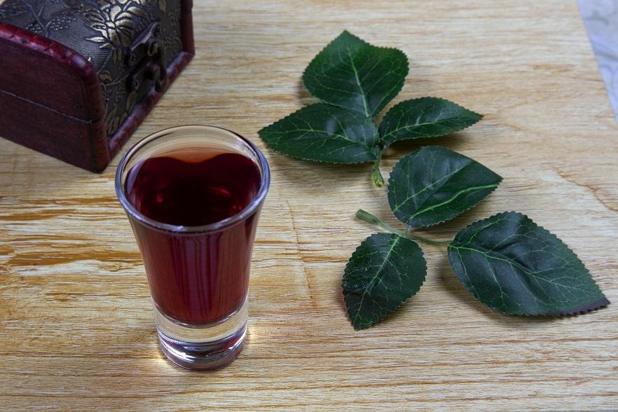 наливка из черноплодки на водке фото