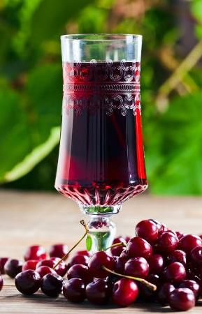 Наливка из вишни на водке в домашних условиях быстро