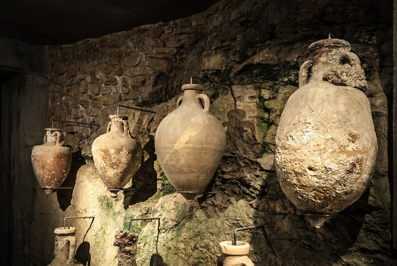 фото греческой амфоры для выдержки вина