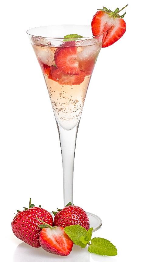 фото шампанского с клубникой в бокале
