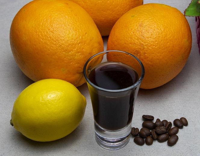 фото кофейной настойки с апельсинами и лимонами