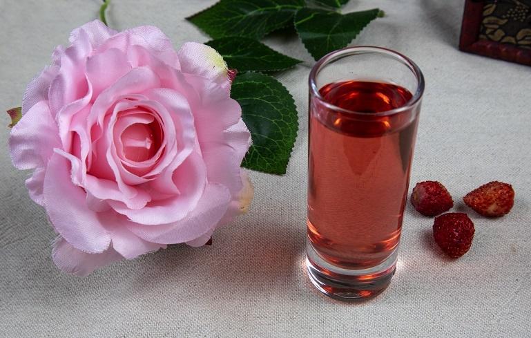 ликер из ягод земляники