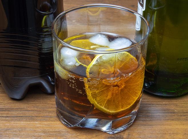 фото виски с колой