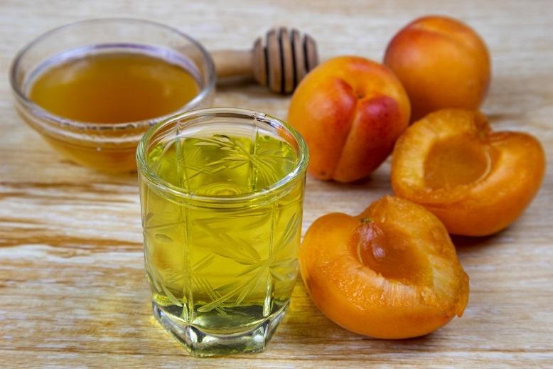 Настойка из абрикосов с мятой и медом фото