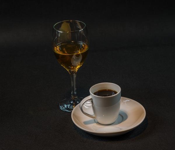 фото виски с кофе