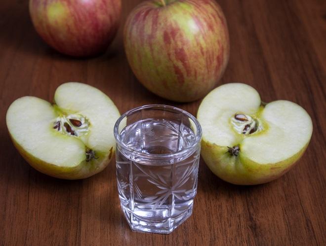 фото самодельной яблочной водки