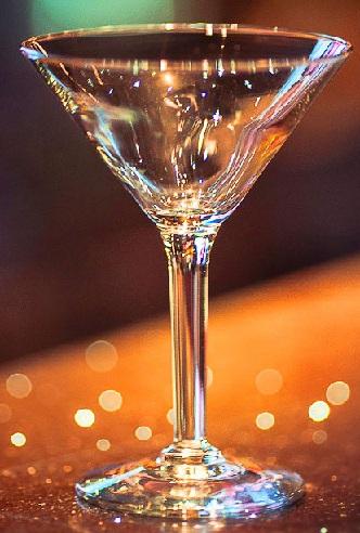 фото бокала для мартини бьянко