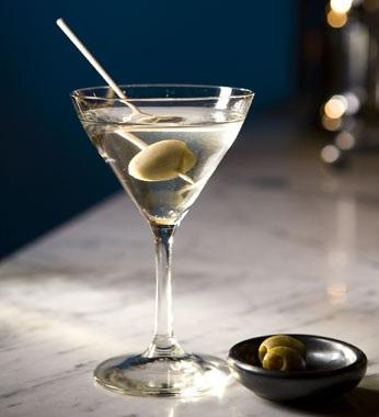 фото мартини бьянко с оливкой на зубочистке