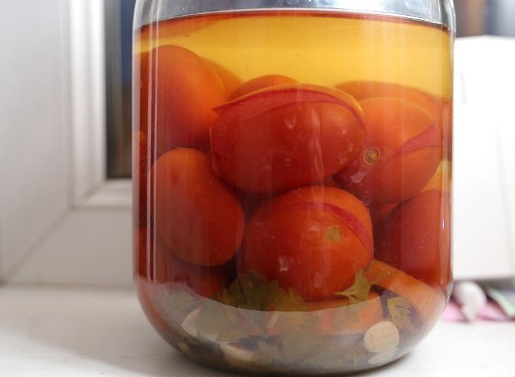 помидоры, консервированные в красном вине