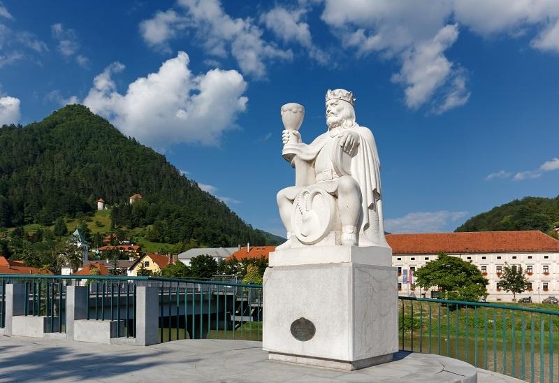 статуя Гамбринуса
