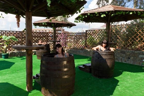 фото лечения вином в Европе