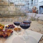 фото красного вина мукузани