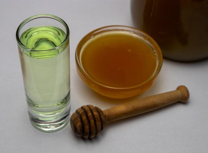 Алтайская медовая настойка с травами фото