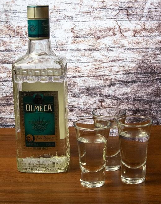 фото бутылки белой текилы Ольмека