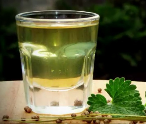 рецепты домашней водки из спирта на травах