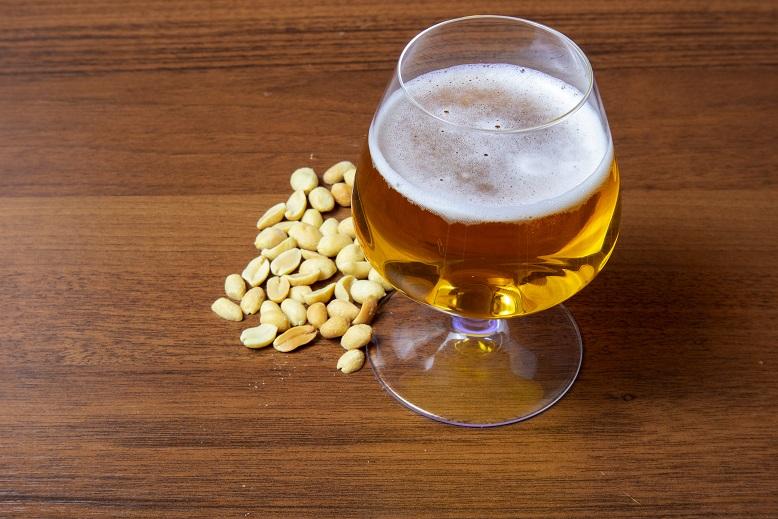 фото пива с арахисом