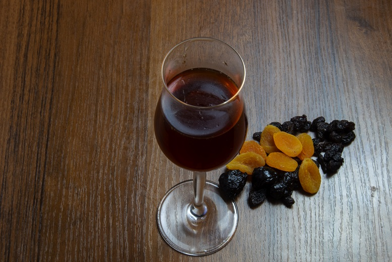 фото вина из сухофруктов