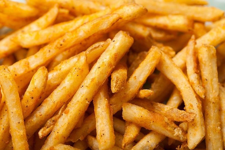 картошка фри, сделанная в домашних условиях