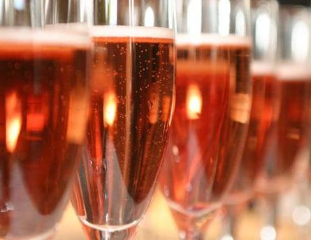 розовое игристое вино кава фото