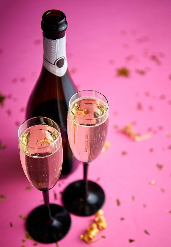 фото розового игристого вина кава