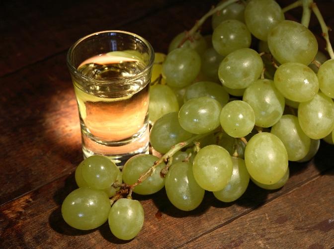 фото виноградной водки кизлярка