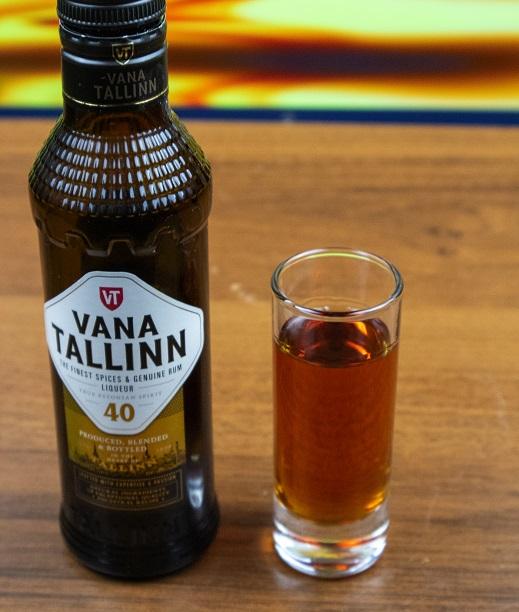фото бутылки ликера Ванна Таллин