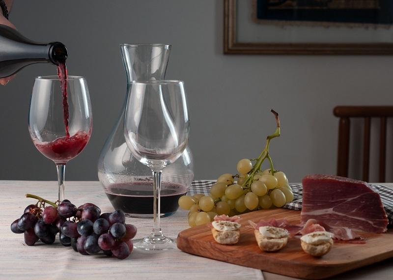 фото закуски к вину Ламбруско