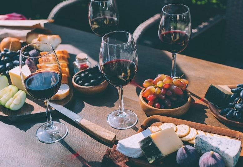 фото как правильно пить вино мерло