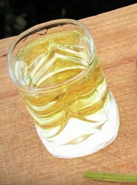 самодельная водка зубровка фото