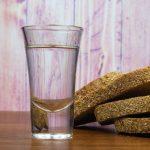 фото самогона из хлеба без дрожжей и солода
