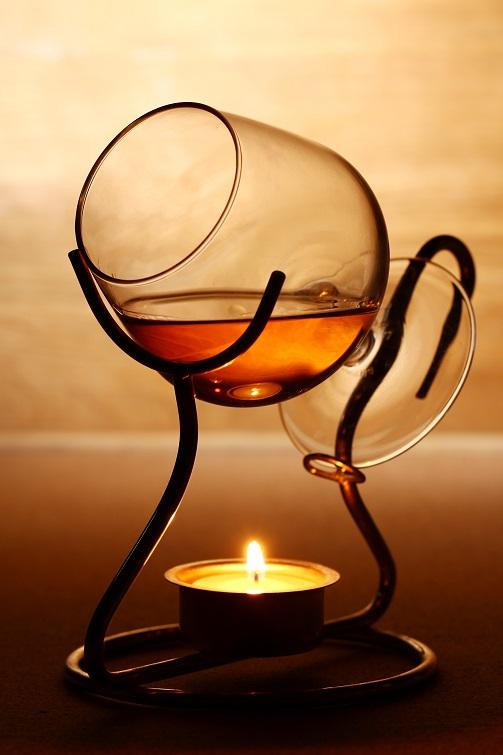 фото коньячного бокала с подогревом от свечи