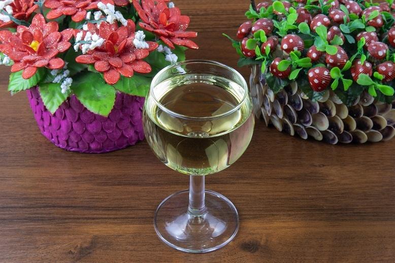 фото домашнего вина из одуванчиков