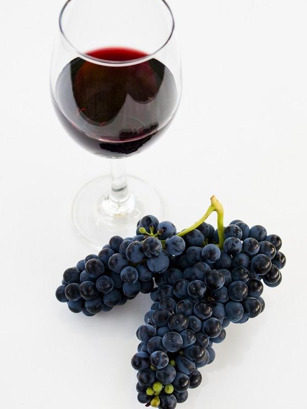 фото красного вина Пино Нуар