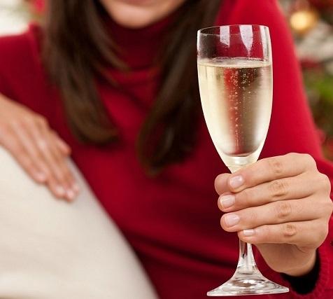 как держать бокал с шампанским фото