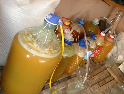 процесс приготовления белого винного уксуса фото 1